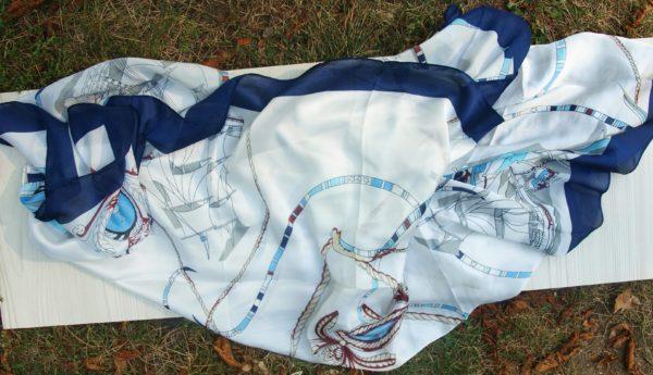 hedvábní šátek