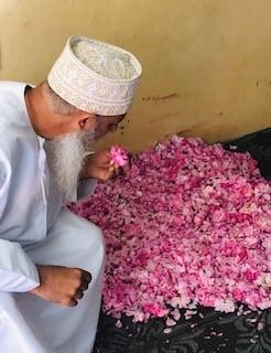 Růžová voda Omán