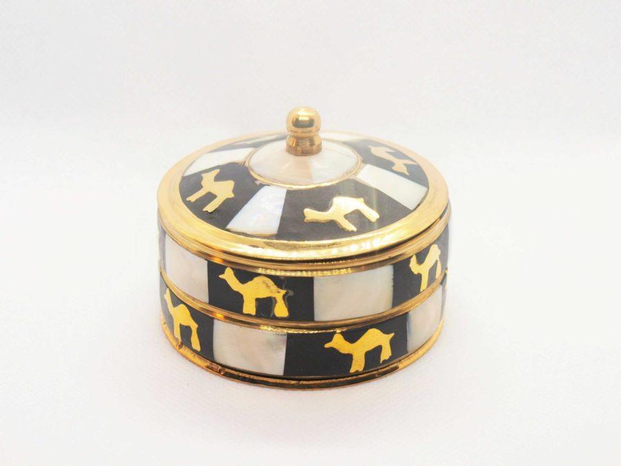Orientální krabička na kadidlo s velbloudy